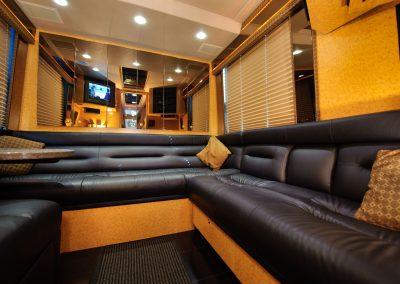Rear Lounge 03